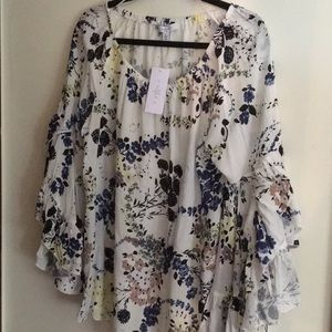 Fever Top NWT Flowing Bell Sleeves